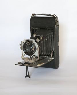 Fotocamera I.C.A. (1910) © e coll. Aniceto Antilopi