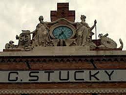 Molino Stucky_Insegna Ditta G. Stucky, stabilimento di macinazxioni grani a cilindri, particolare della facciata